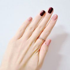Beautiful nail art designs that are just too cute to resist. It's time to try out something new with your nail art. Burgundy Nails, Red Nails, Hair And Nails, Nail Pink, Nail Nail, Dark Pink Nails, Black Nails, French Nails, Manicure Rose