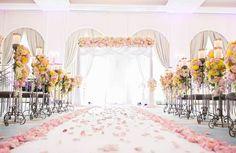 Perfect aisle setup for beach wedding
