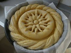 Pastry Crust Recipe, Bread Recipes, Cooking Recipes, Pastry Design, Bread Shaping, Bread Art, Braided Bread, Serbian Recipes, Food Carving