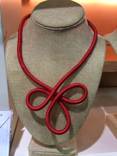 Red chain wired