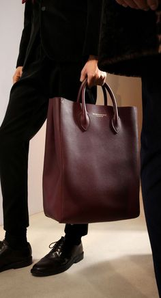 The Carryall in Bonded Leather: One of my favourite runway accessories from the Prorsum Menswear show leather hobo handbags Leather Hobo Handbags, Burberry Handbags, Leather Bag, Brown Handbags, Cheap Handbags, Fashion Mode, Fashion Bags, Mens Fashion, Fall Fashion