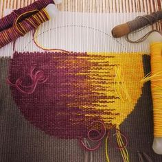 Love irregular hatching in tapestry weaving to blend colours.