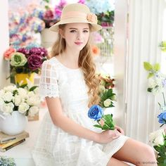 Romantic Clothing - Beautiful girl with summer mood Petticoated Boys, Girls, Retro Outfits, Vintage Style Outfits, Romantic Outfit, Romantic Clothing, Vintage Clothing, Vintage Fashion, Pretty Summer Dresses