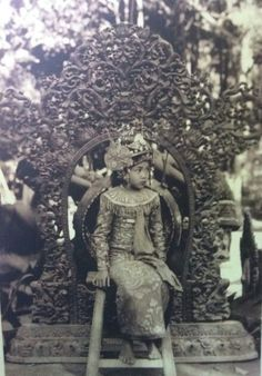 Balinese girl, probably royal family.