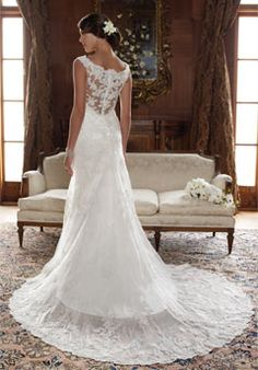 Love the back of this dress. Can you tell I'm obsessed with lace??? Casablanca Bridal