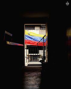 Te presentamos la selección especial del día: <<VENEZUELA>> en Caracas Entre Calles. ============================  F O T Ó G R A F O  >> @edwserrano << Visita su galeria ============================ SELECCIÓN @luisrhostos TAG #CCS_EntreCalles ================ Team: @ginamoca @luisrhostos @mahenriquezm @teresitacc @floriannabd ================ #Venezuela #Caracas #Instavenezuela #Gf_Venezuela #GaleriaVzla #Ig_Venezuela #Great_Captures_Vzla #InstaloVenezuela #Instapro_Ve #Loves_Venezuela…