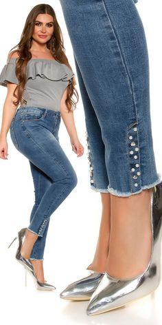 Plus size farmer gyöngyös szárral Toddler Cc Sims 4, Jeans Style, Plus Size Women, Denim Skirt, Bell Bottom Jeans, Modeling, Skinny Jeans, Skirts, Jeans Fashion