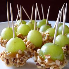 Caramel Grapes these are a huge hit at parties! Caramel Grapes these are a huge hit at parties! Caramel Grapes these are a huge hit at parties! The post Caramel Grapes these are a huge hit at parties! appeared first on Finger Food. Snacks Für Party, Appetizers For Party, Appetizer Recipes, Snack Recipes, Cooking Recipes, Tailgating Recipes, Toothpick Appetizers, Thanksgiving Appetizers, Appetizer Ideas