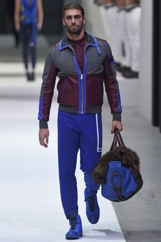 Dirk Bikkembergs Men's RTW Fall 2015 - Slideshow amo este azul ❤️