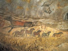 "The ""Falling Cow"" and ""Frieze of Small Horses"" beneath the outline of the head of an aurochs demonstrate the diversity of color and technique utilized in the cave, in this image from Lascaux II. Ancient History, Art History, Lascaux Cave Paintings, Art Pariétal, Paleolithic Art, Cave Drawings, Primitive Painting, Art Antique, Aboriginal Art"