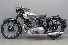 Винтажный мотоцикл Panther Model 100