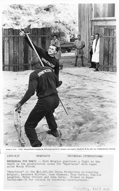 Woody and  Kirk Douglas in on  set  in  Spartacus 1960