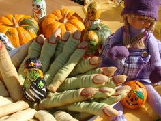Halloween Cookies, Sweets, Cooking, Chocolates, Candy, Mood, Kitchen, Gummi Candy, Chocolate
