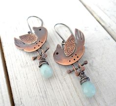 Primitive Sparrow Earrings by Lost Sparrow Jewelry Copper Earrings, Copper Jewelry, Clay Jewelry, Modern Jewelry, Jewelry Crafts, Jewelry Art, Jewelry Design, Jewlery, Artisan Jewelry