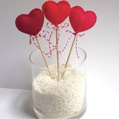 For the most romantic day in the year, Valentine's Day we have selected interesting diy crafts. Be creative for the Valentine's Day and give cute gifts to your loved ones. The gift would have bigger meaning if you make it… Continue Reading → Valentines Day Decorations, Valentine Day Crafts, Saint Valentine, Be My Valentine, San Valentin Ideas, Felt Hearts, Design Crafts, Cute Gifts, Diy And Crafts