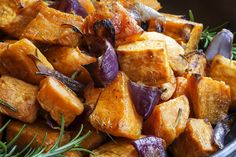 Roasted Sweet Potatoes are so yummy and delicious! I used to make them all the time, I don't know why I forgot about this recipe. In my quest to continue to eat clean and healthy this recipe Easy Potato Recipes, Onion Recipes, Pumpkin Recipes, Clean Recipes, Healthy Recipes, Roasted Fall Vegetables, Veggies, Herb Salad, Panzella Salad