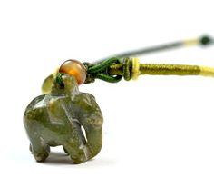 Niedliche kleine Elephant geschnitzte Jade Halskette, Anhänger 25x25x12mm, Unique Oriental Schnur 54-68 cm - Fortune-Feng Shui Modeschmuck von Feng Shui & Fortune Jewelry, http://www.amazon.de/dp/B00EL8QJ02/ref=cm_sw_r_pi_dp_F7.esb0KDVWFJ