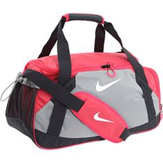 Take a look on Nike collection for women sport bags; it includes a variety of most stylish and trendy bags that will surely impress you. Nike Sami Tote bags are the most attractive; with a fashionable look and feminine design . Nike Outfits, Sport Outfits, Nike Sports Bag, Nike Gym Bag, Nike Duffle Bag, Duffel Bags, Nike Headbands, Nike Bags, Nike Flyknit