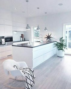 8 veces he visto estas radiantes cocinas abiertas. Kitchen Room Design, Modern Kitchen Design, Home Decor Kitchen, Kitchen Living, Kitchen Interior, Home Interior Design, Home Kitchens, Kitchen Layout, Kitchen Ideas