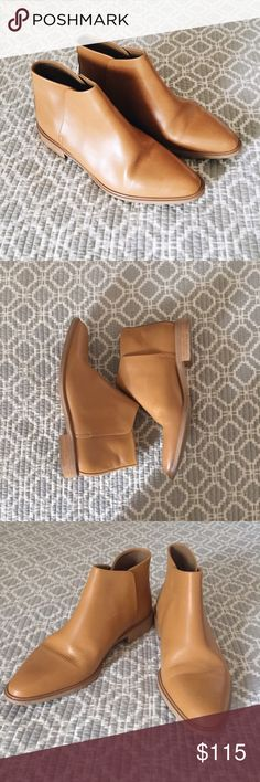 Everlane Camel Modern Boot Ankle cut, best fit for a size 8. This shoe is sized 7.5 but runs big, Everlane recommends sizing half a size down. Worn a handful of times, in great condition! Everlane Shoes Ankle Boots & Booties