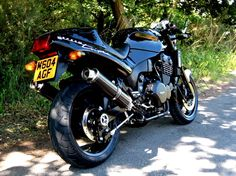 Triumph Speed Triple British Motorcycles, Triumph Motorcycles, Cars And Motorcycles, T 300, Custom Street Bikes, Triumph Street Triple, Motorcycle Manufacturers, Xjr, Motorcycle Style