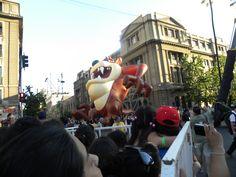Personaje: Tazmania  Actividad: Paris Parade 2012  Lugar: Santiago.Chile.  Desfile Navideño