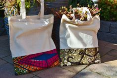 Africa bags! Wax fabric. Handmade <3 Fabric Handbags, Fabric Bags, Afro, African Fabric, African Dress, African Print Fashion, Fashion Prints, Kitenge, Mode Wax