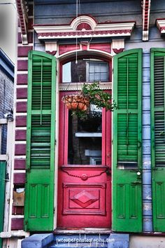 A Thoughtful Place: What to Pack When Traveling | New Orleans, Anyone?