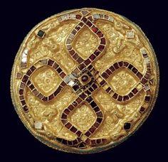 Gold annular fibula from Wittislingen . Gold, almandine garnets, glass, mother-of-pearl. Alamannic, 1st half 7th century AD.
