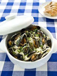 Mussel Linguine - This is a quick and easy dish that will wow your family or hungry dinner guests - www.fishisthedish.co.uk/recipes/mussel-linguine-2