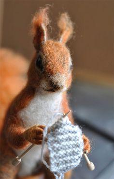 crochet inspir, felt knit, craft, squirrels, knitting, art, felting crochet, knit squirrel, yarn
