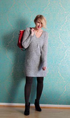 Strickkleid, graues Strickkleid, Wollkleid, rote Tasche, Anine Bing Stiefeletten, Winterkleid