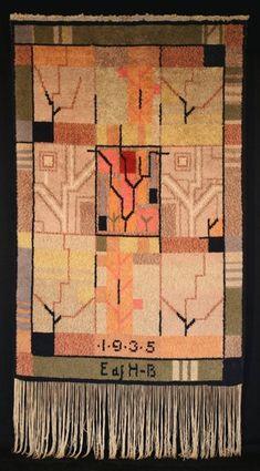 1930 funkkis ryijy Tuntematon suunnittelija, arvellaan että Impi Sotavalta  toinenkin versio olemassa (vuosiluvulla 1936)  http://www.vesilahti.fi/palvelut/kulttuuritoimi/ryijygalleria/yleisia-suomalaisia-jugend-ja-fu/