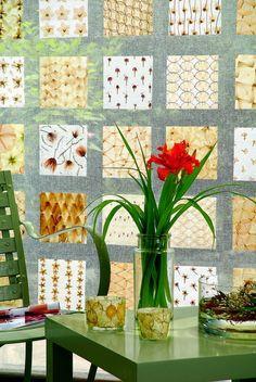 Περιοδικό Έτσι Απλά   Η τέχνη των λουλουδιών - flower art Glass Vase, Projects To Try, Table Decorations, Diy, Furniture, Home Decor, Decoration Home, Bricolage, Room Decor