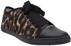 €436, Braune Niedrige Sneakers mit Leopardenmuster von Lanvin. Online-Shop: farfetch.com. Klicken Sie hier für mehr Informationen: https://lookastic.com/women/shop_items/14998/redirect