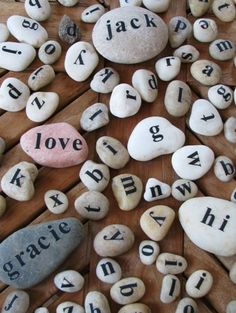 Pebble and Stone Crafts - Message Rocks - DIY Ideas Using Rocks, Stones and Pebble Art - Mosaics, Craft Projects, Home Decor, Furniture and DIY Gifts You Can Make On A Budget Diy And Crafts, Craft Projects, Crafts For Kids, Arts And Crafts, Easy Crafts, Budget Crafts, Easy Diy, Kids Diy, Decor Crafts