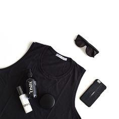 tomboy feels in my new @bettybrowneaus muscle tee in vintage black  sunglasses…