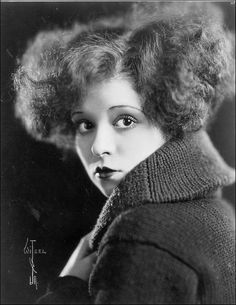 Clara Bow photographed by Witzel, 1923