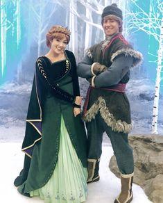 Disney Princess Movies, Disney Movies, Disney Princess Cosplay, Disney Princesses, Disney Stuff, Disney Nerd, Disney Parks, Anna Kristoff, Elsa Anna