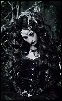 Along Came A Spider  Model: Poppy Augarde (Gothicle)http://gothiclemodelling.tumblr.com  www.facebook.com/filialunaephotography