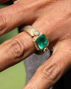 Halle Berry's Engagement Ring | Martha Stewart Weddings