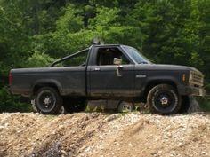 1985 Ford Ranger XLT 4X4 by TheStig http://www.truckbuilds.net/1985-ford-ranger-xlt-4x4-build-by-thestig