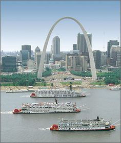 Delta Queen winning the Great Steamboat Race at St. Louis Arch.  (with Mississippi Queen and American Queen)