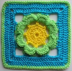 Ravelry: Kingcup pattern by Jan Eaton 200 Crochet Blocks ♡ by Jan Eaton Paperback Interweave published in September 2004 Crochet Circles, Crochet Blocks, Crochet Squares, Crochet Granny, Crochet Motif, Crochet Flowers, Crochet Stitches, Granny Squares, Crochet Afghans
