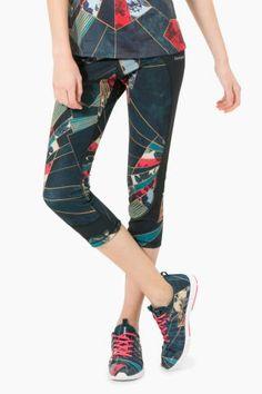 Desigual Outlet - Desigual / Different. Capri Pants, Fashion, Moda, Capri Trousers, Fashion Styles, Fashion Illustrations