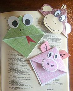 Living and Learning at Home: Origami Corner Bookmarks Kids Crafts, Cute Crafts, Crafts To Do, Projects For Kids, Craft Projects, Arts And Crafts, Paper Crafts, Elderly Crafts, Craft Ideas
