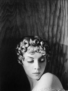 Horst P. Horst - Helen Bennett, 1936