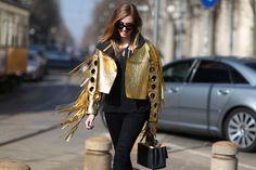 chiara ferragni gold jacket via Milan Street Style - Italian Fashion, Outfits Boho Trends, Gold Jacket, Milan Fashion Week Street Style, Street Chic, Street Snap, Italian Fashion, Fashion Outfits, Fashion Trends, Fashion 2016