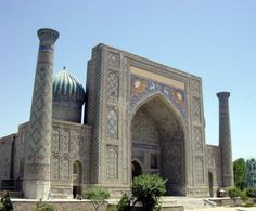 Samarkand (Silk Road Persian Empire) - Uzbekistan. Click to Watch > http://destinations-for-travelers.blogspot.com.br/2015/08/samarkand-rotadaseda-uzbequistao.html