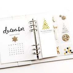 For my opening spread, I went with the same layout as last year: calendar, Hello December/reason why (text to be added), and elements in a transparent page. Bullet Journal Prompts, Daily Journal, Journal Cards, Christmas Journal, Christmas Albums, Christmas Scrapbook, December Daily, Hello December, Project Life